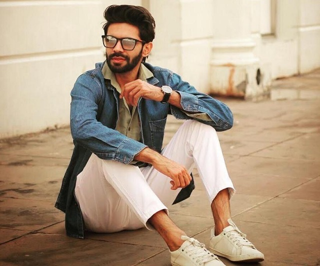Chetan Dahiya may start his acting career from Indian Web Series