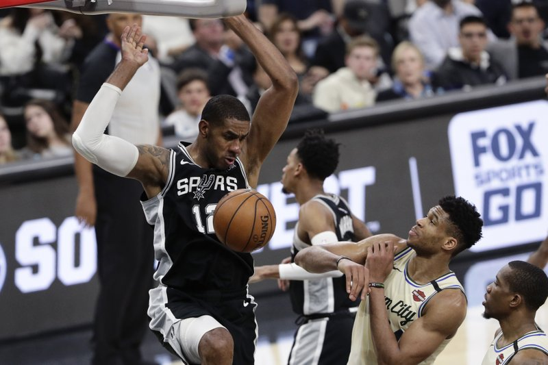 San Antonio Spurs' season-best 3-point shooting did in Bucks, 126-104