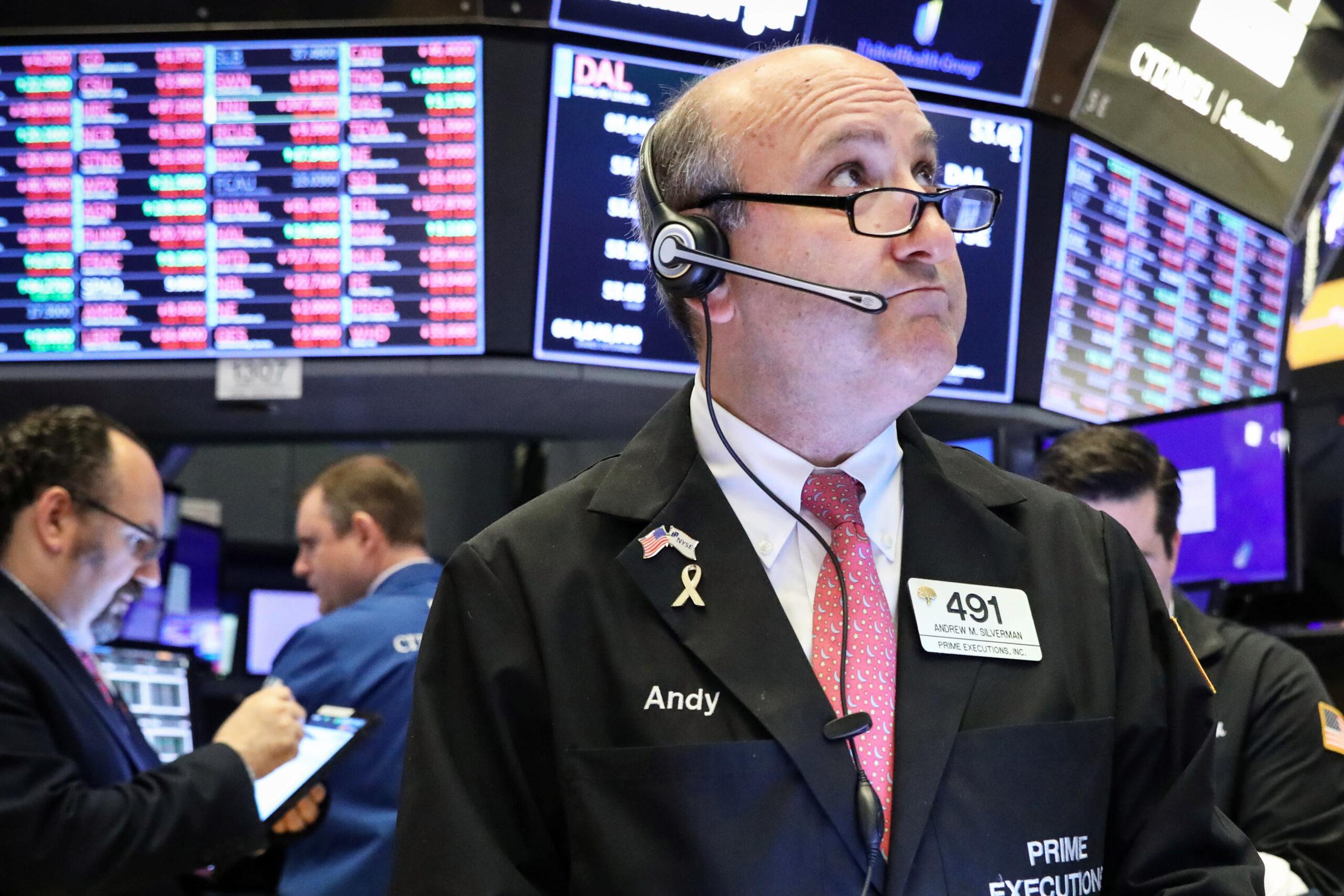 Dow Jones: Futures Drop After Apple Fuels Record Breaking Stock Market Rally ; Netflix, StoneCo In Buy Zones