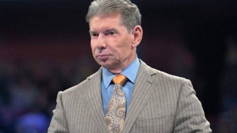 WWE Hall of Famer uncovers why Vince McMahon never gives signatures
