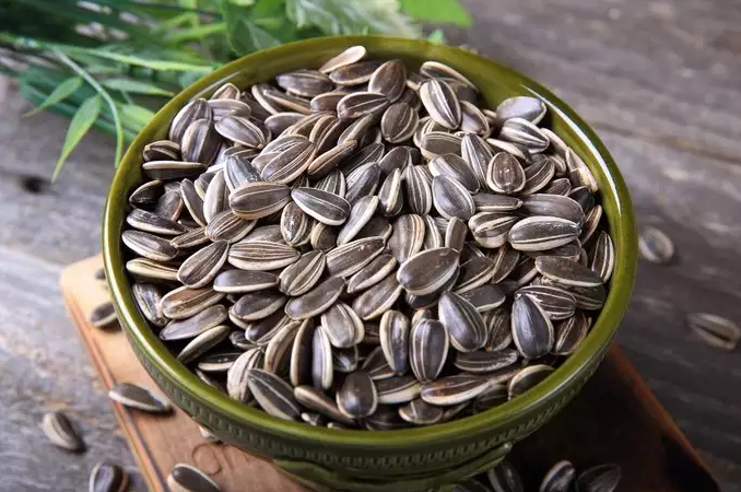 Sunflower Seeds: 5 best health benefits of sunflower seeds you should know about