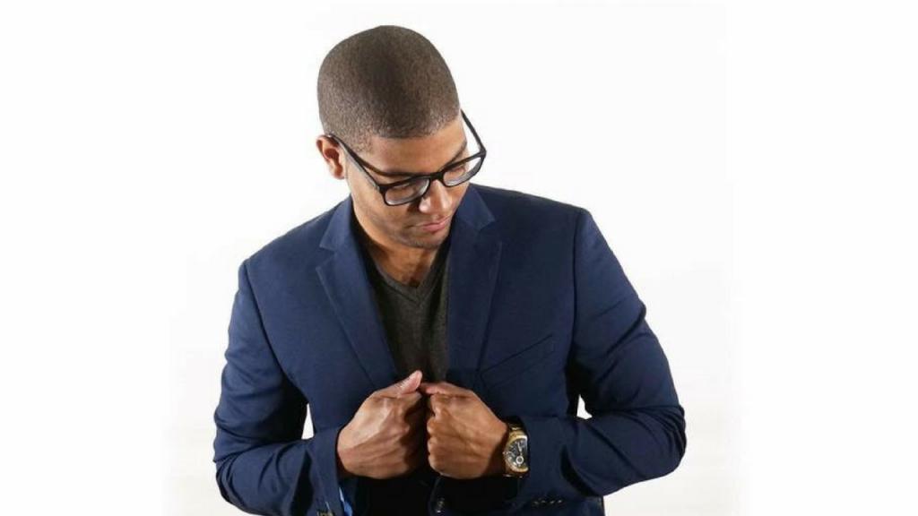 Salesman To Serial Entrepreneur – JR Rivas