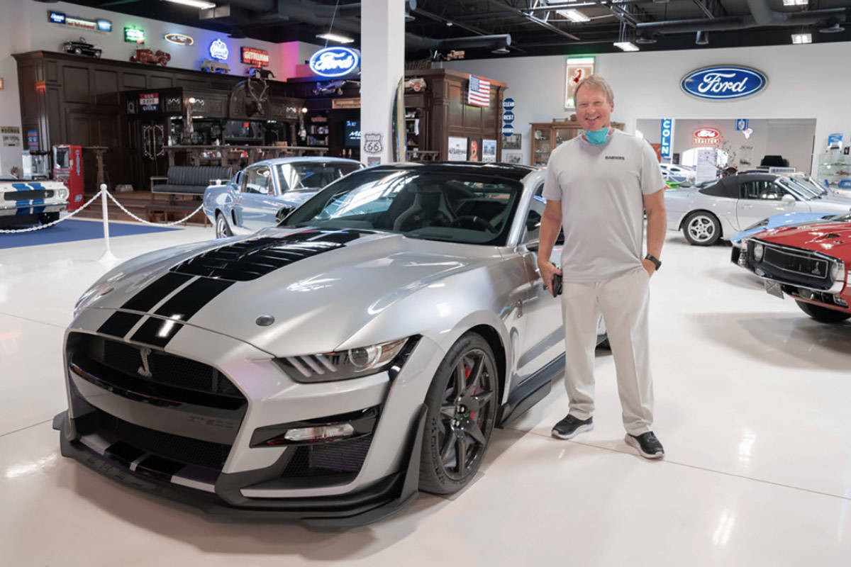"""Ford: Welcomes Las Vegas Raiders With """"Special Shelby GT500"""""""