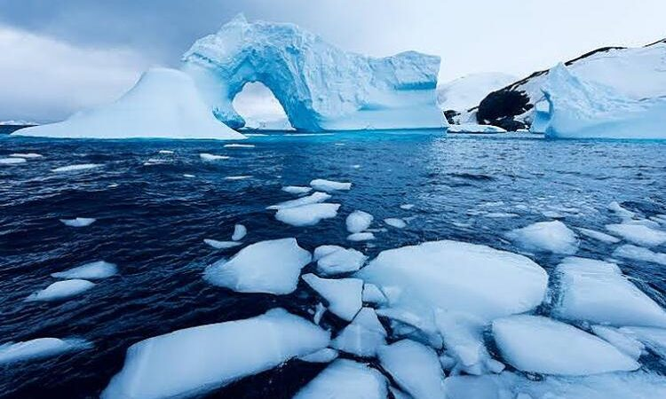 In just 23 years, the Earth has lost an amazing 28 trillion tonnes of ice