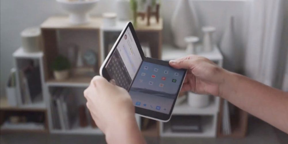 Check out the magic in Microsoft Surface Duo's ground-breaking hardware