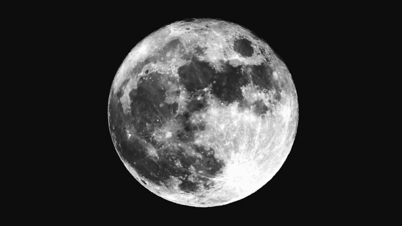 """Moon is """"rusty"""" and researchers are stunned"""