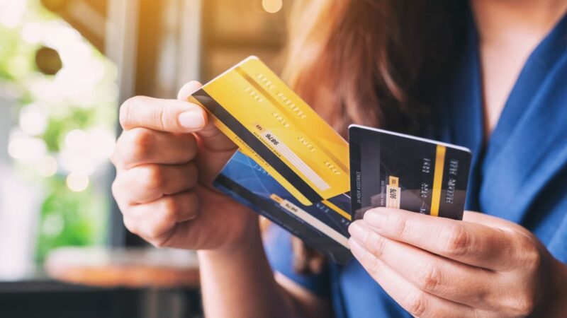 Credit Card vs Debit Card vs Prepaid Card: Select The Right Card For You