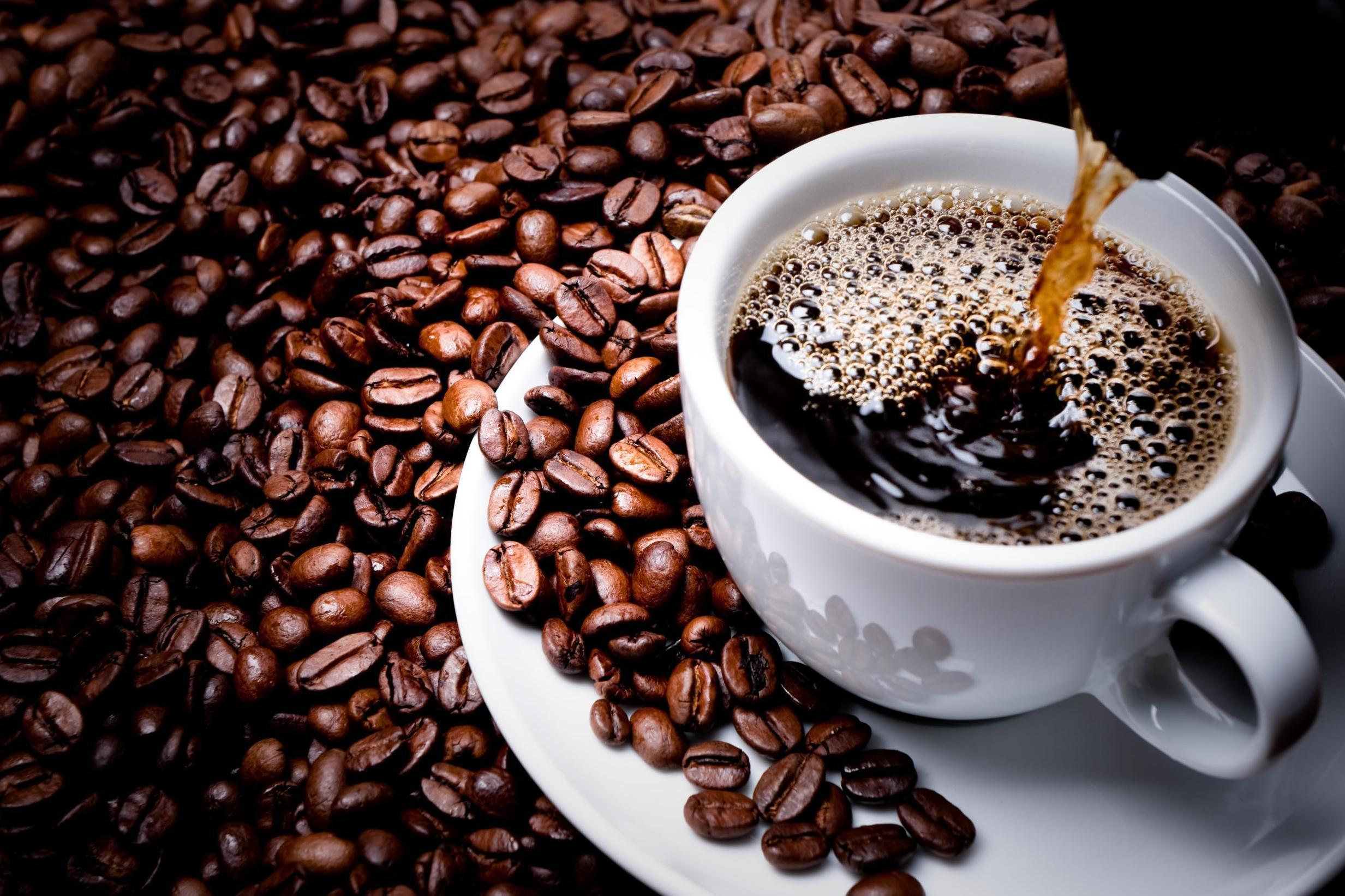 Drink coffee after breakfast for better control of metabolism