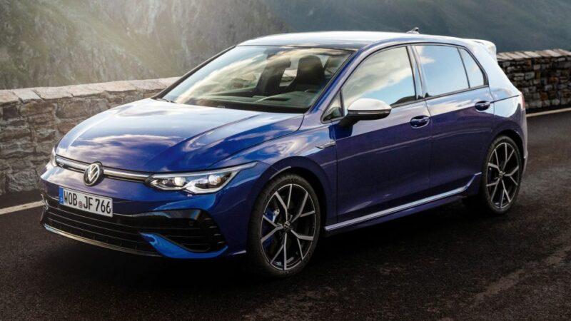 The 2022 Volkswagen 'Golf R'- debuts with 315 HP and drift mode