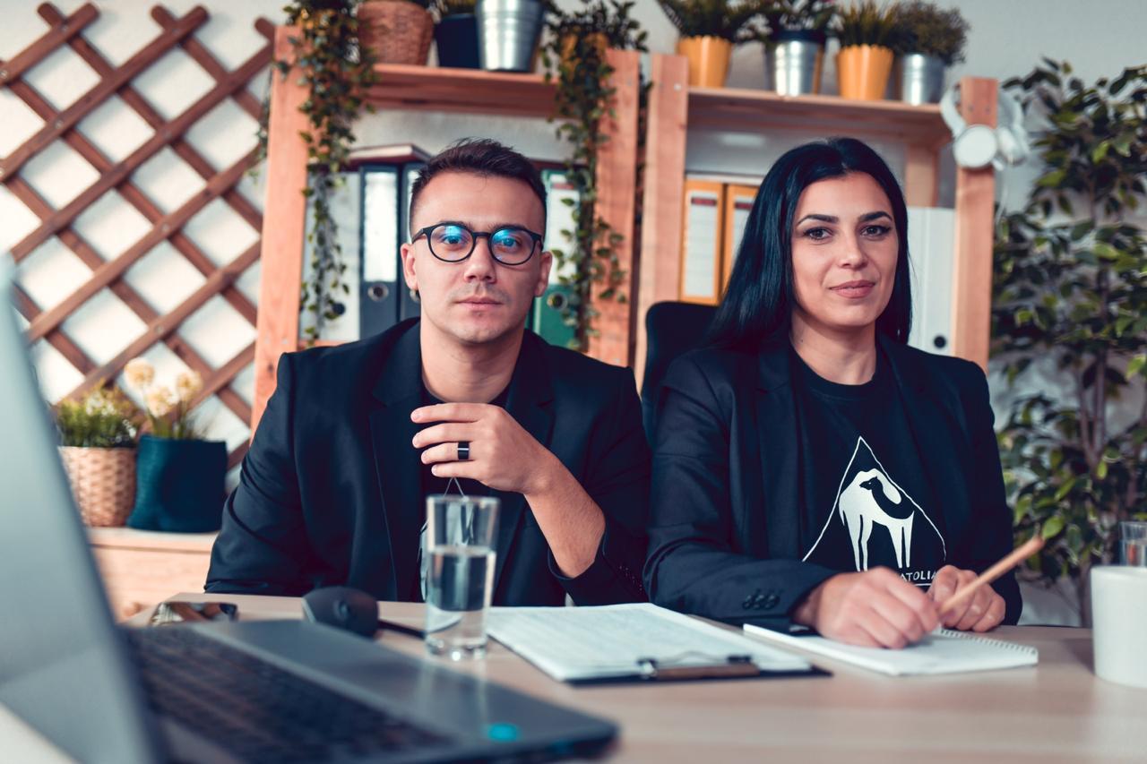 Know how to build a brand community on social media from the co-founders of Cafe De Anatolia Nikola Iliev, aka Nickarth and Monika Ilieva.