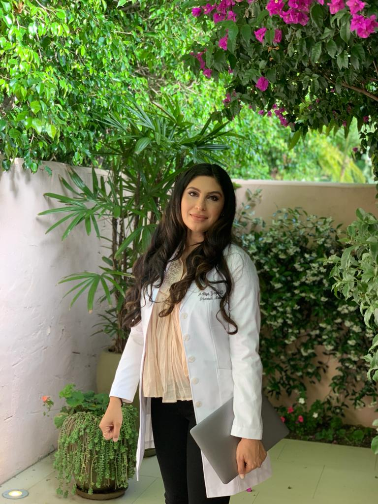 Dr. Aaliya Yaqub : This Physician Mom of 4 is Charting a Unique Path as a leading Skincare and Wellness Expert Inspiring A Global Audience Online