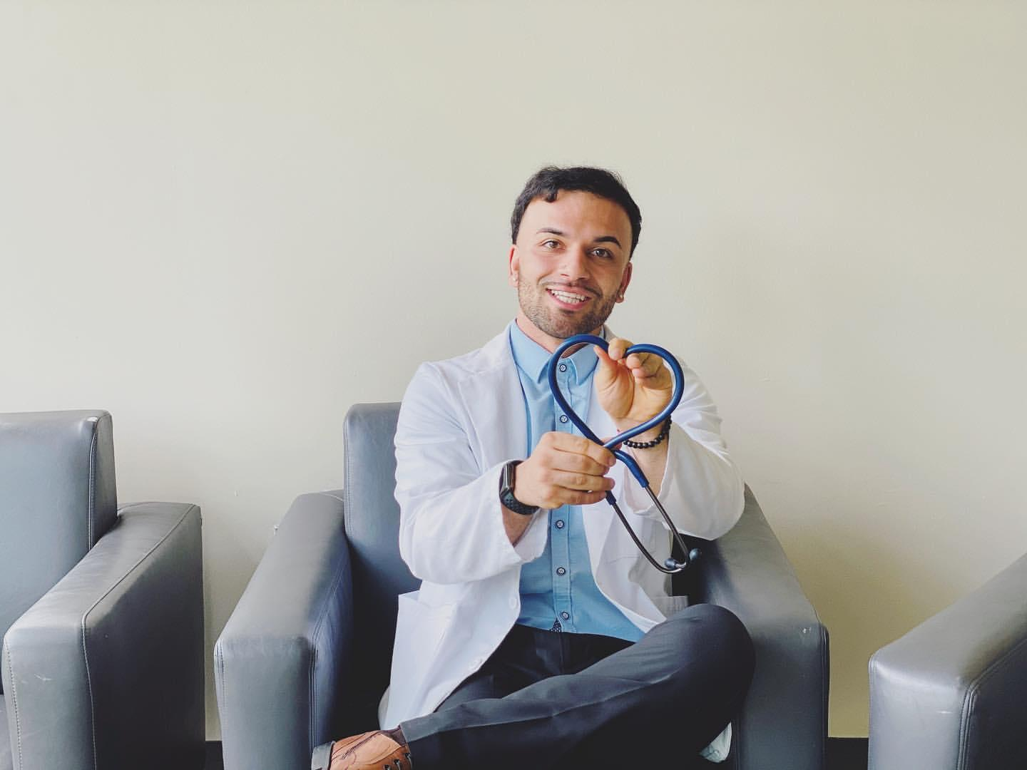 THRIVING ENTREPRENEUR SHARES HOW HE USES SOCIAL MEDIA TO ACCELERATE HIS CAREER GROWTH WHILE BEING A STUDENT STUDYING MEDICINE