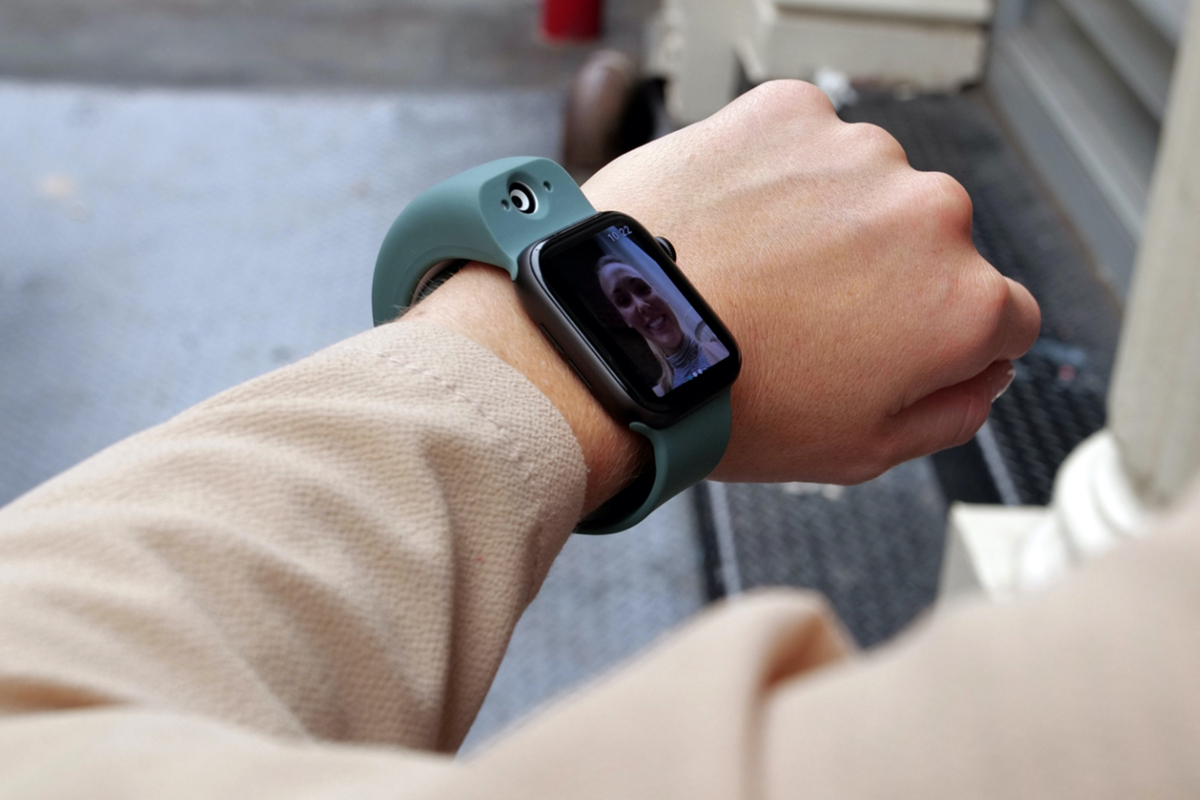 "For Apple Watch, $299 ""Wristcam"" adds a pair of cameras"