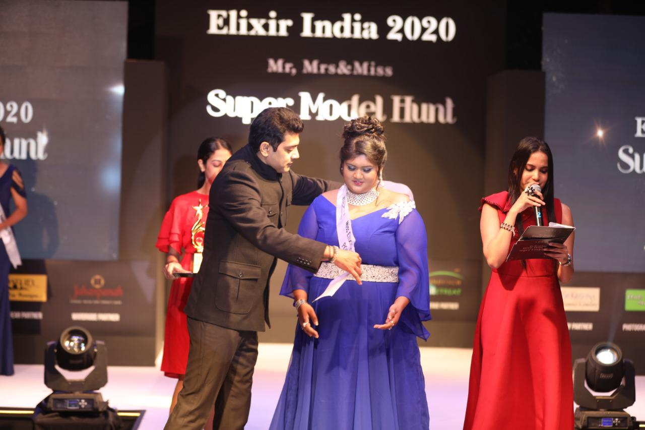 UP Girl Anushri Joshi Bags The Elixir Miss India Popular 2020 in Bangalore