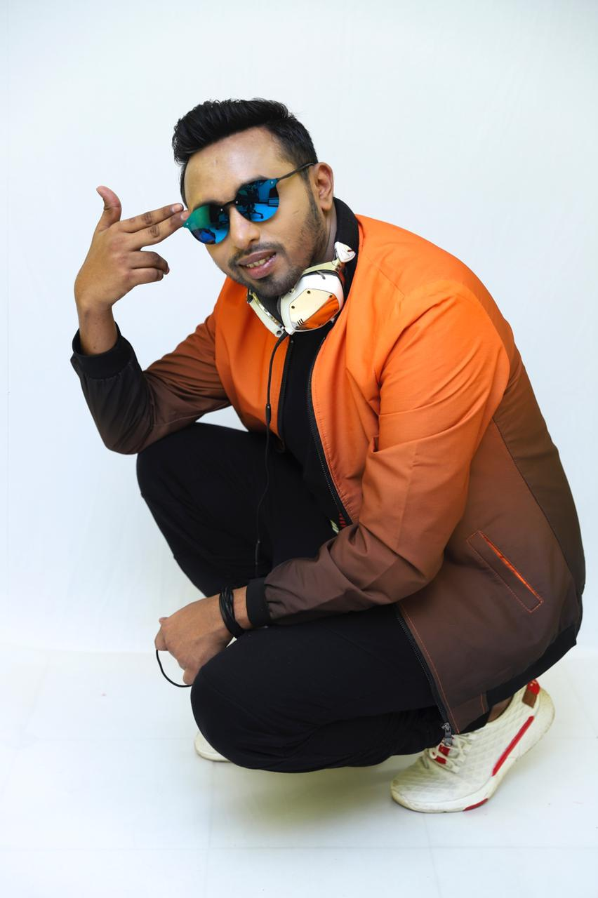 Meet VDJ Shaan – India's top VDJ who is entertaining everyone with his tunes and video mixes