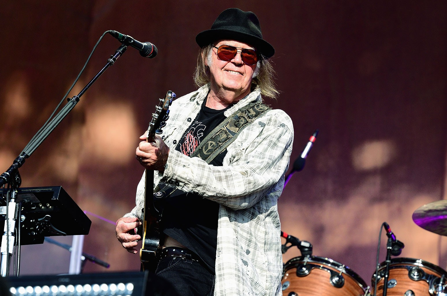 Neil Young 1982 was unreleased the 'Coming to You Soon' is the album can reveals