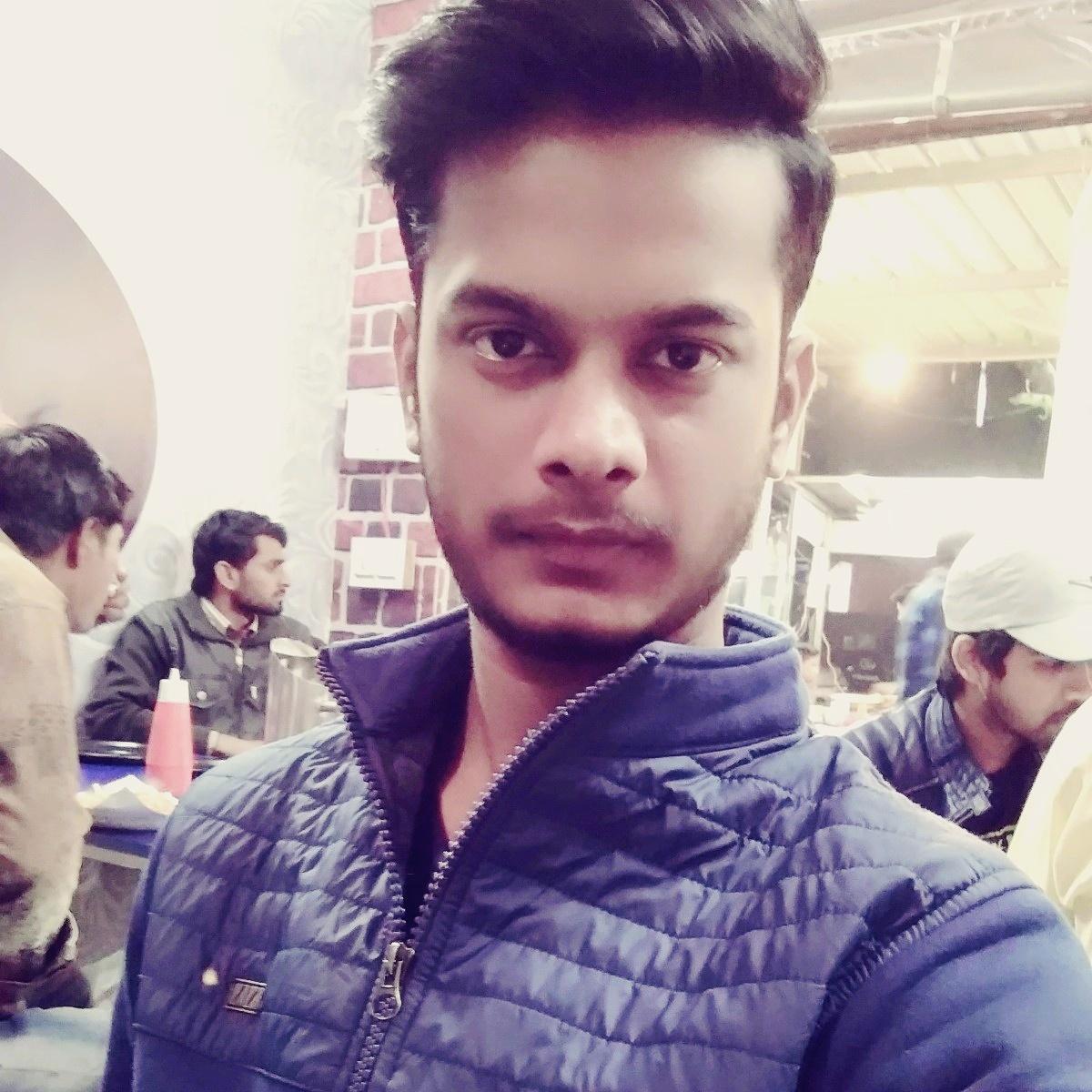 Success Story of Emerging Digital Entrepreneur – Manish Kumar Singh