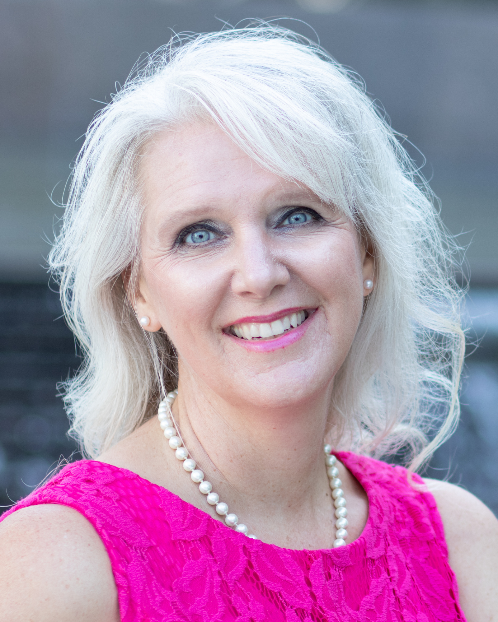 Shawna Cale: A Speaker, Author, Physical Therapist, Life Coach and Also Holistic Health Practitioner