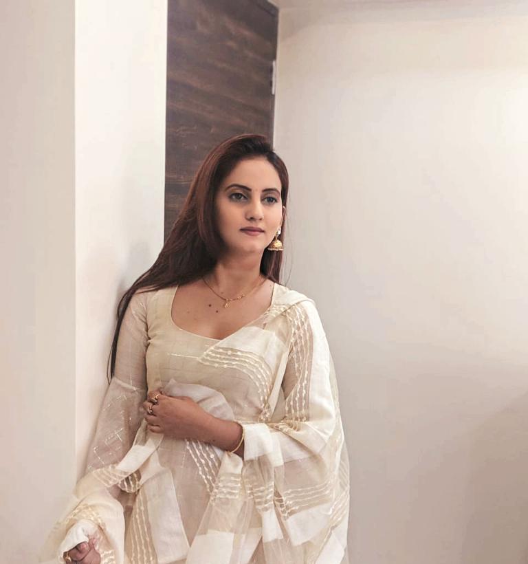 Meet Jaya thakur a talented fashion model