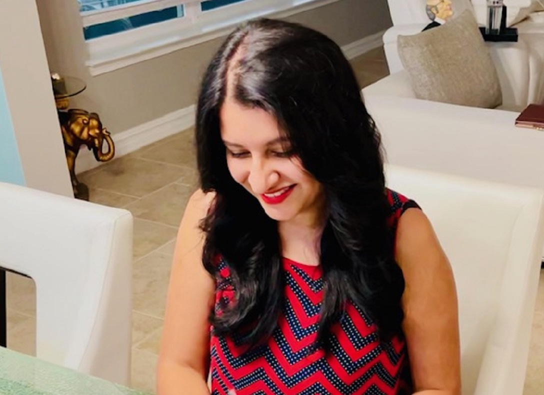 Amira Irfan, the founder of A Self Guru, Shows How Her Legal Templates Protect Your Business in Only 30 Minutes