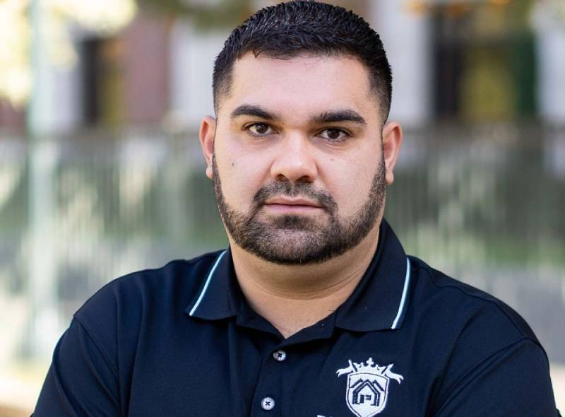 Top Of The Ladder Real Estate Agent Miguel Garcia On Hardships