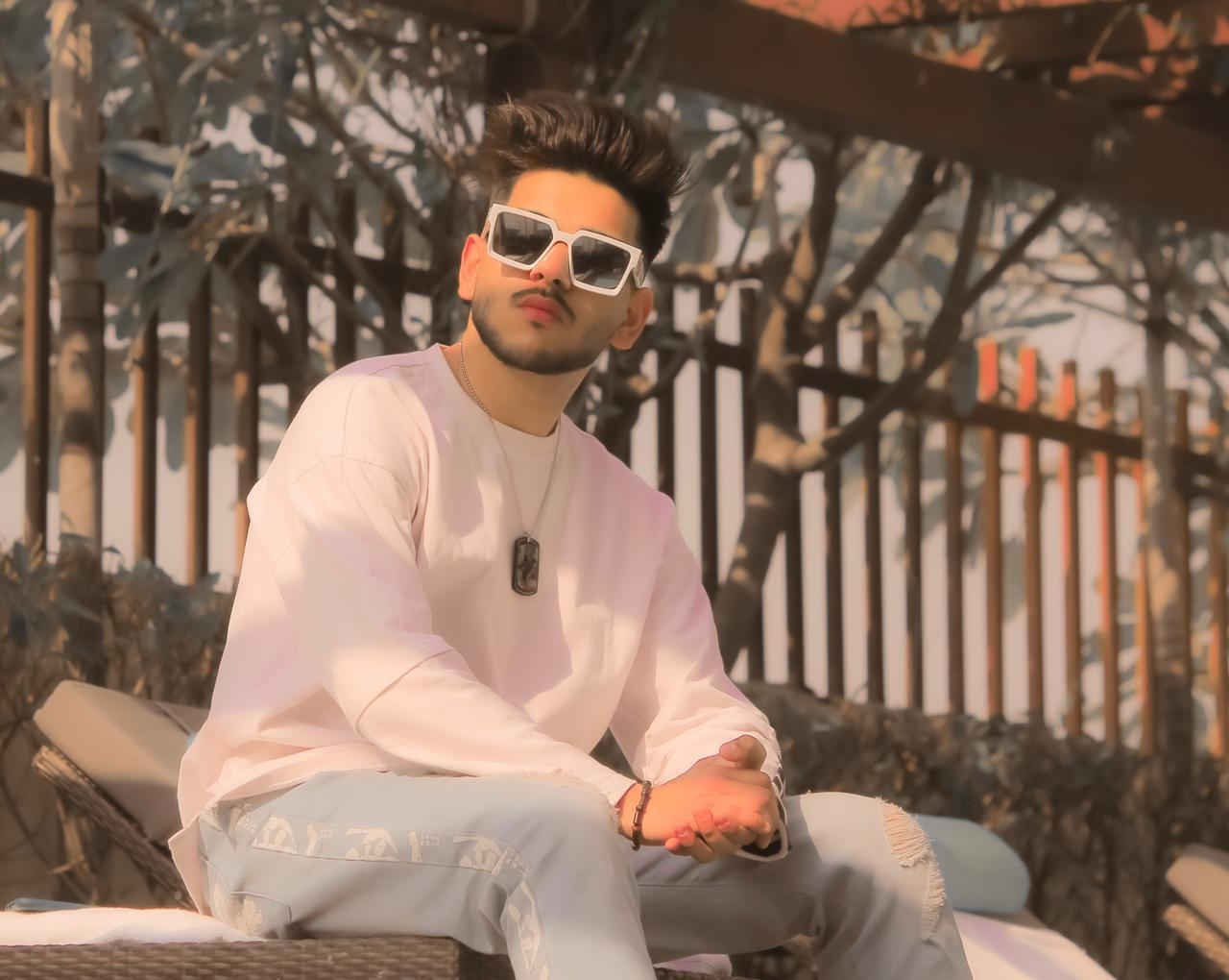 Meet the ace travel and lifestyle blogger of the country Himanshu Kohli a.k.a Befikre