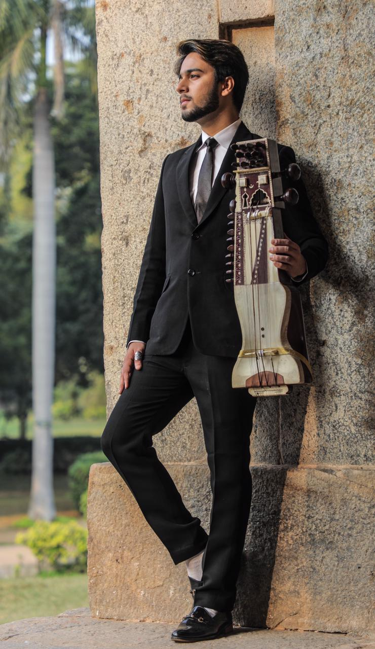 Meet Nabeel Khan, the world's youngest established Sarangi player, composer and a singer-songwriter born on September 2nd, 1999.