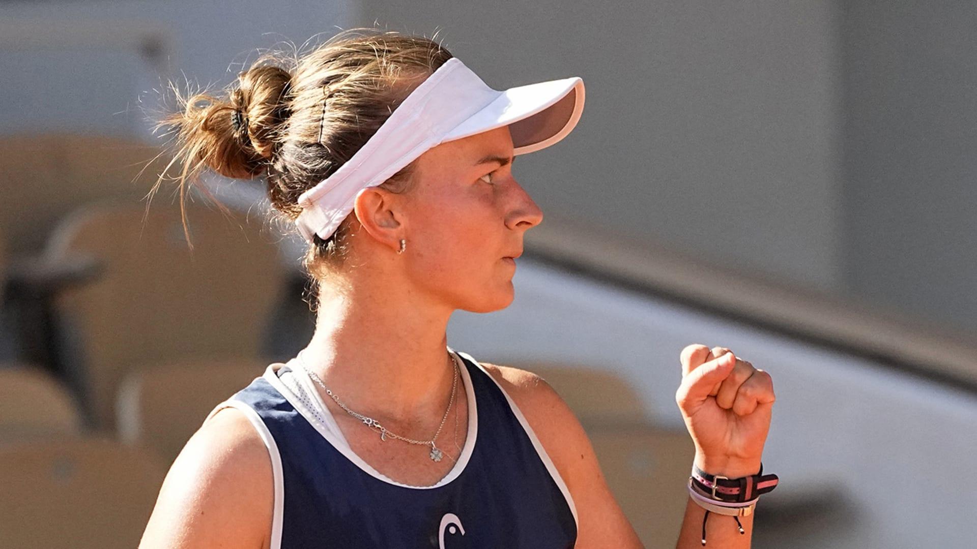 French Open 2021: Barbora Krejcikova wins 3-hour thriller vs Maria Sakkari to acquire spot in final