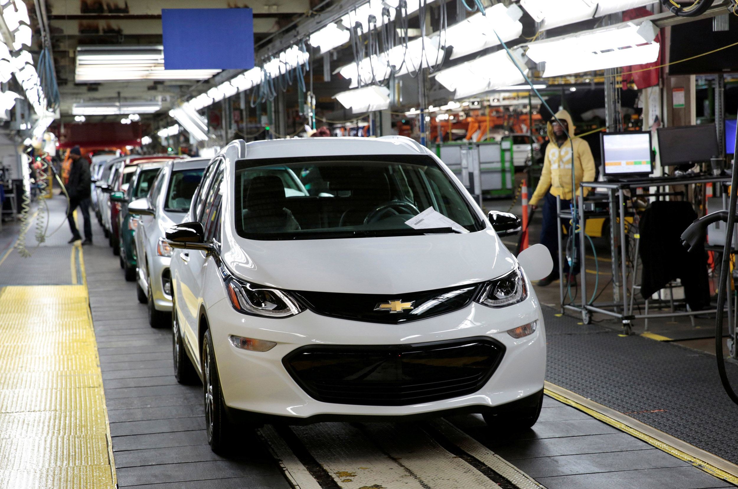 GM reviews all Chevrolet Bolt electric vehicles over fire hazard