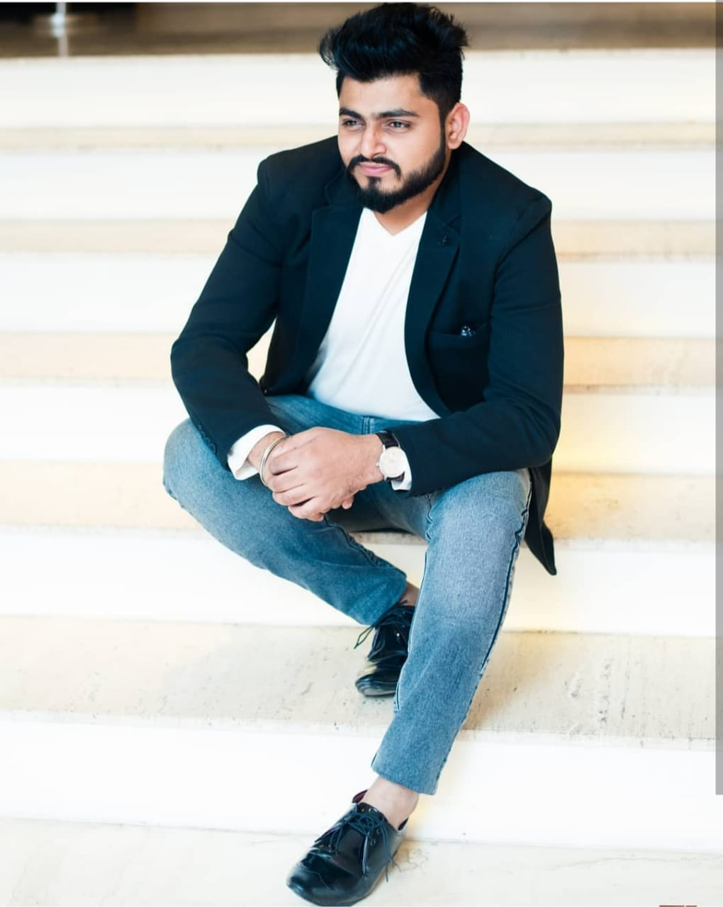 Taking long strides in the world of music is singer and performer Mitul Kaushik