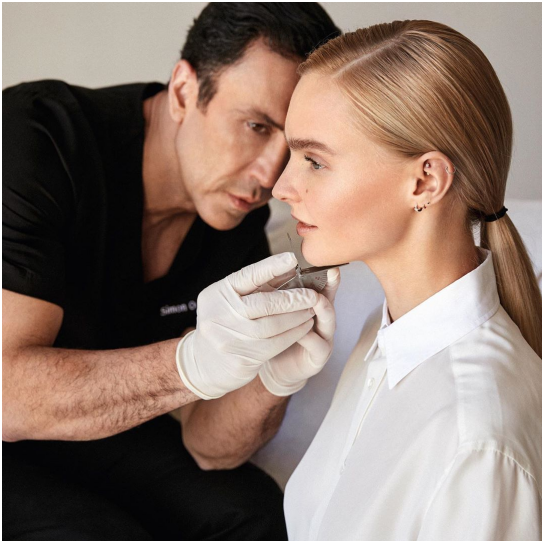 3 Reasons to Choose Dr. Simon Ourian's Non-Invasive Facelift
