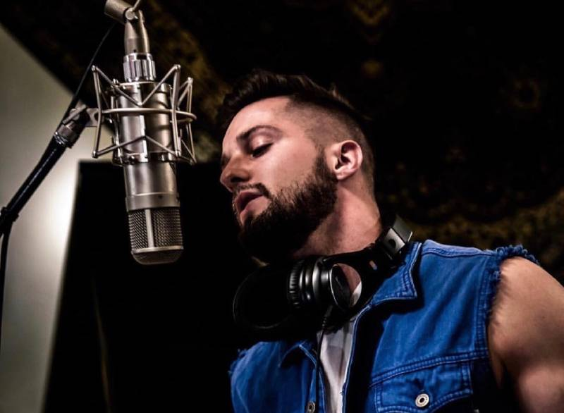 Building the perfect home recording studio, what to do, and what not to do by Zach Salter