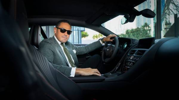 Luxury watchmaking company 'Ratel' collaborates with Aston Martin UAE for an exceptional timepiece