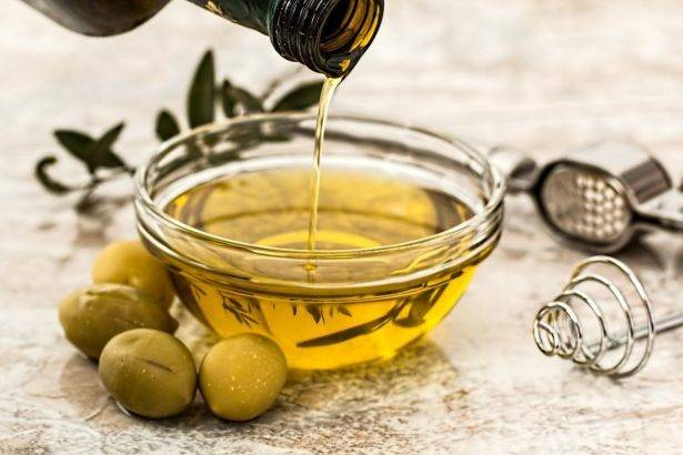 Nutri4Verve : Nutritionist Shivani Sikri explains which edible oils to favour when you want to lose weight