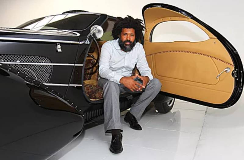 Supercarrooms founder and curator XXXX Elo introduces to his annual Design and concept l-automobile.show event Crypto and NFT