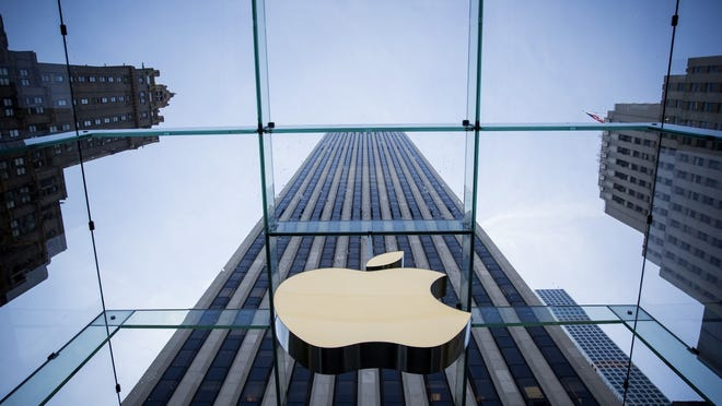 Removed co-leaders of the #AppleToo labor activist group to file federal complaints